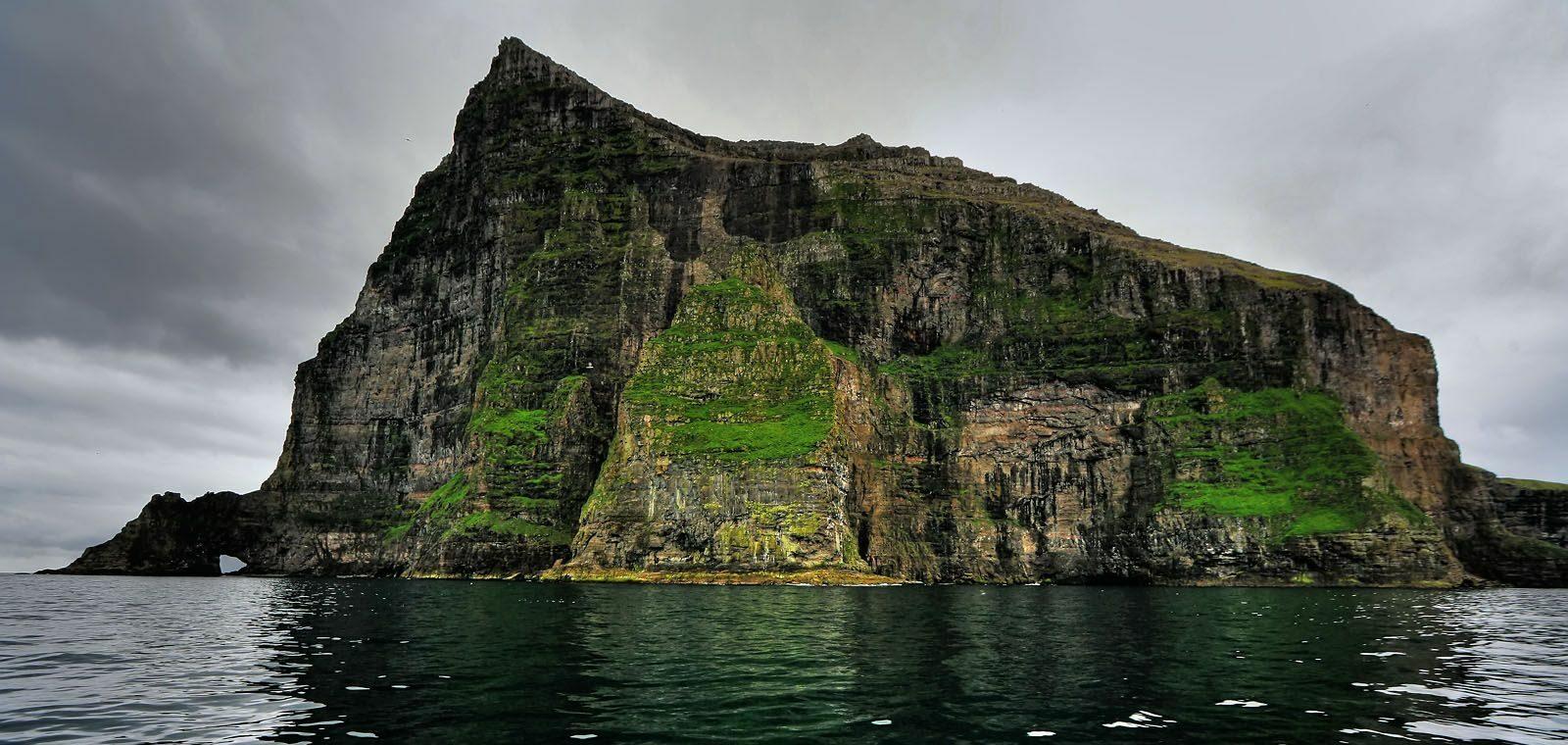 cape-enniberg-guide-to-faroe-islands 2