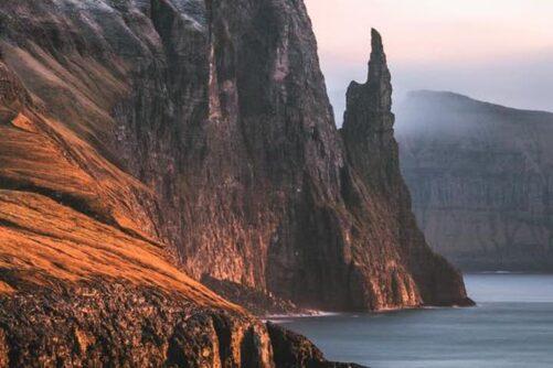 finger-sea-stack-guide-to-faroe-islands