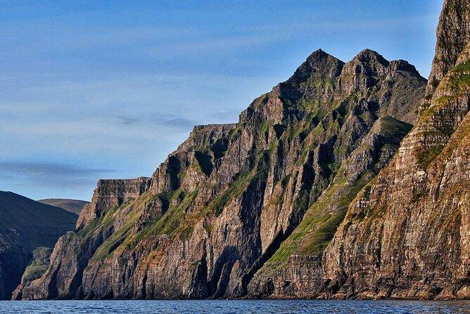 sea cliffs Vestmanna - Guide to Faroe Islands